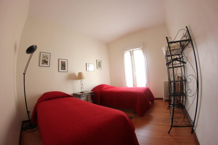 Les-remparts-gite-bourg-chambre-800×600