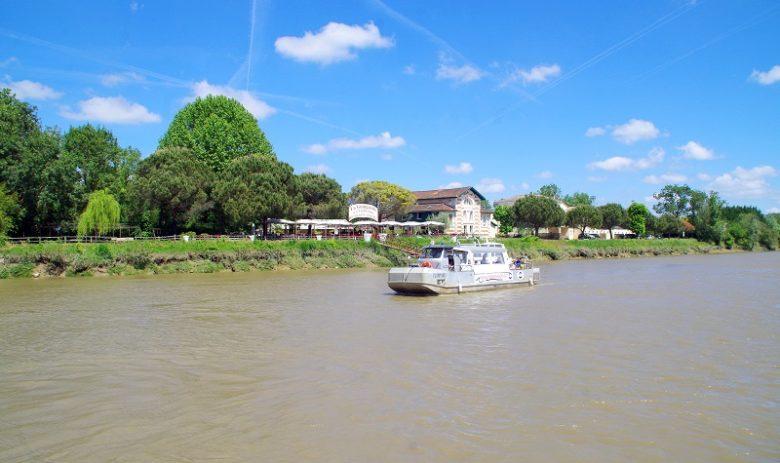 Libourne-Balade-fluviale-sur-l-Isle-Bateau-Clapotine-CCordonatto-600X800-KATY0094
