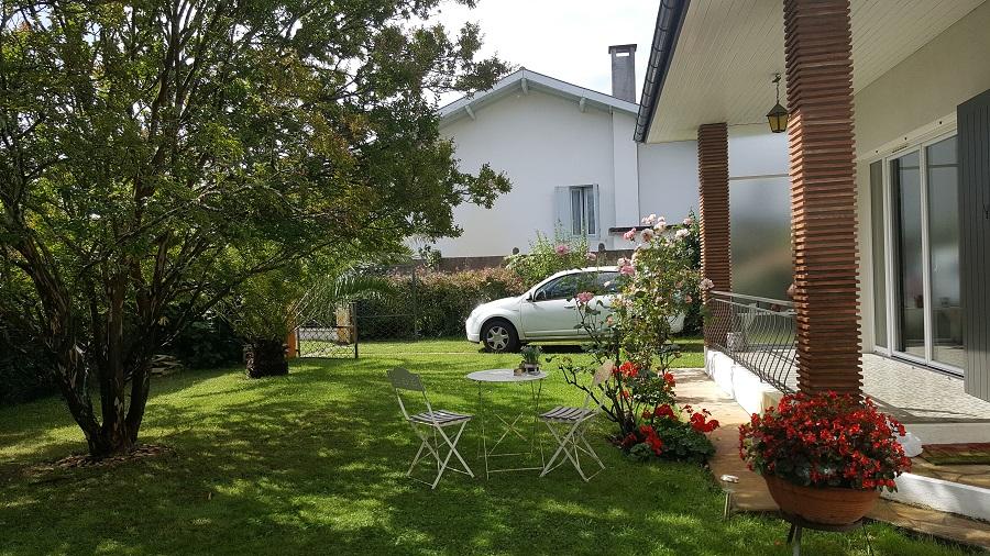 Location vacances – jardin – parking – Arès – Bassin d'Arcachon