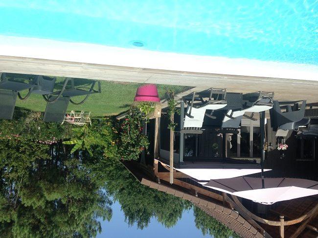 Maison-et-piscine—chambre-d-hotes-Ares–Valerie-Urtizverea–