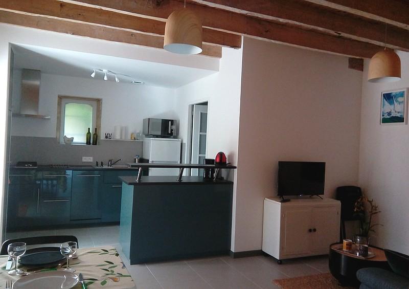 Monsieur-Patrice-Tavernier-cuisine-Credit-Patrice-Tavernier–location-saisonniere-Saint-Grions-d-aiguvives–format-800×600
