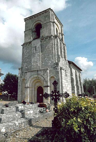 Montagne-Eglise-Notre-Dame-de-Parsac