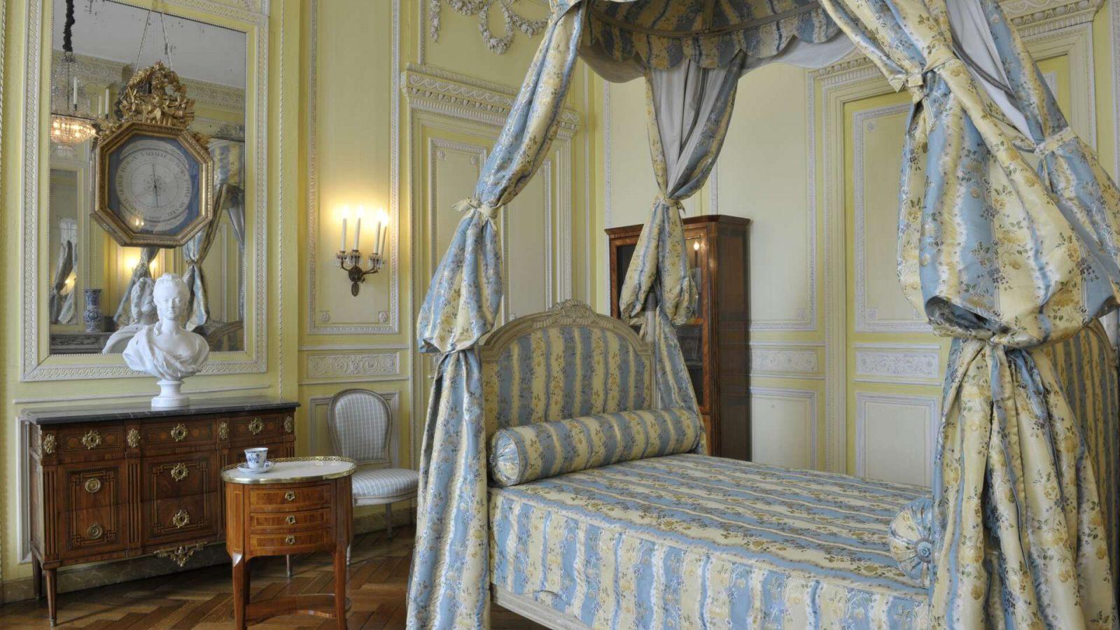 Musee-des-Arts-Decoratifs-et-du-Design-Chambre à coucher