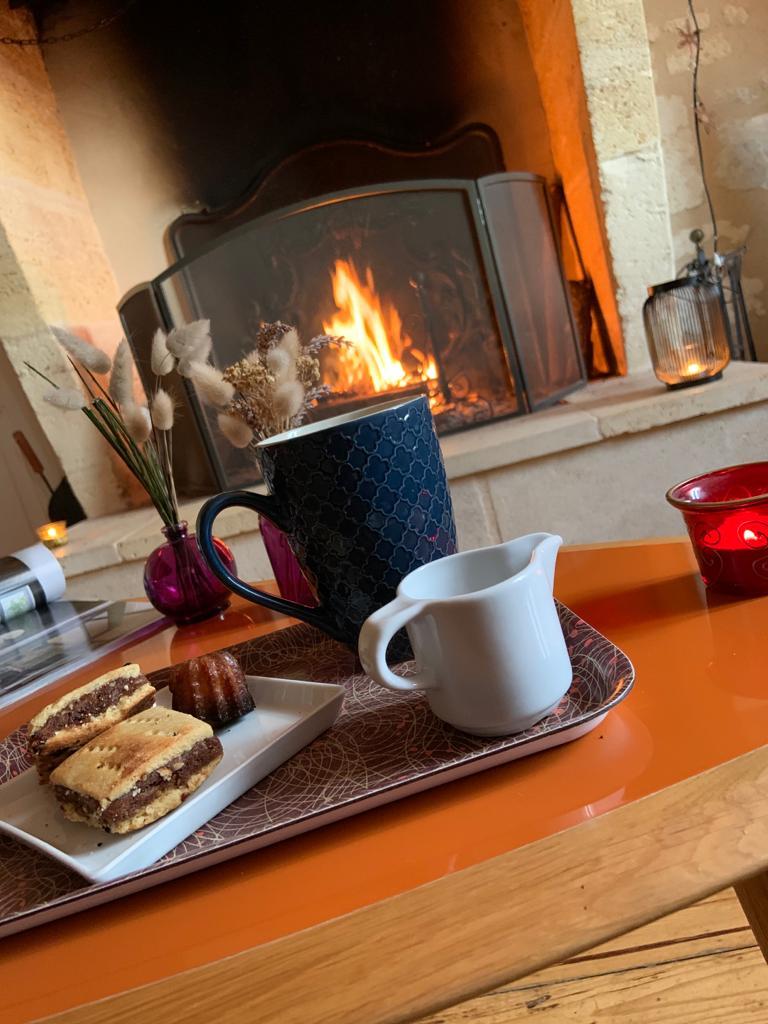 Pause thé au coin du feu