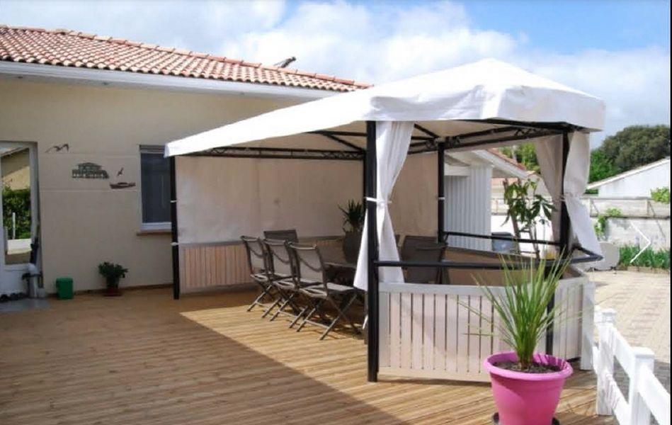 Petit Dej terrasse [800×600]