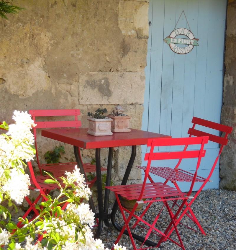 Petit Gîte de Fenouil_Loc saisonnière_Civrac de Blaye_Cour_800x600