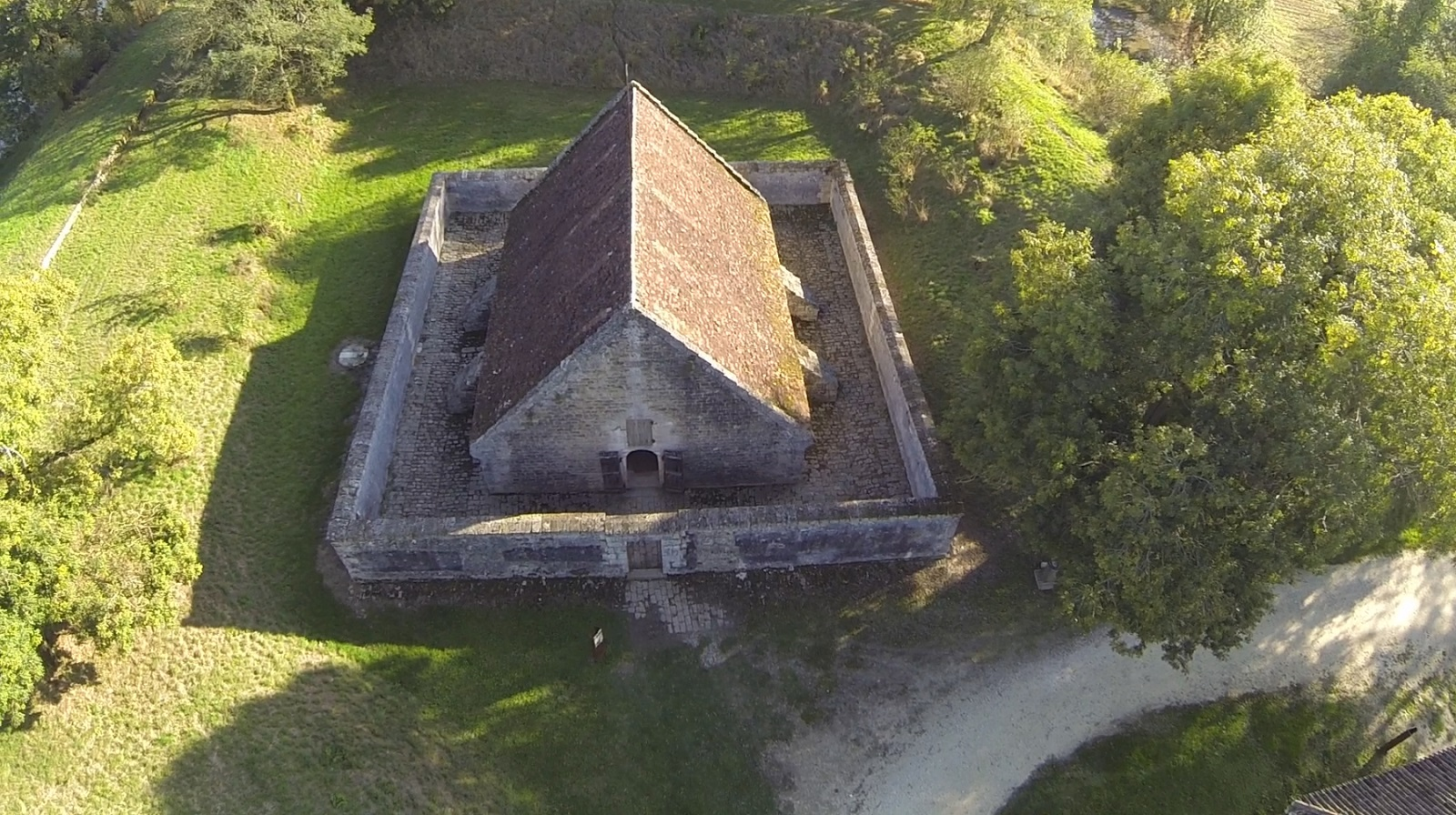 Photo-3–FORT-MEDOC–Le-magasin-a-poudre—Mairie-de-Cussac-Fort-Medoc