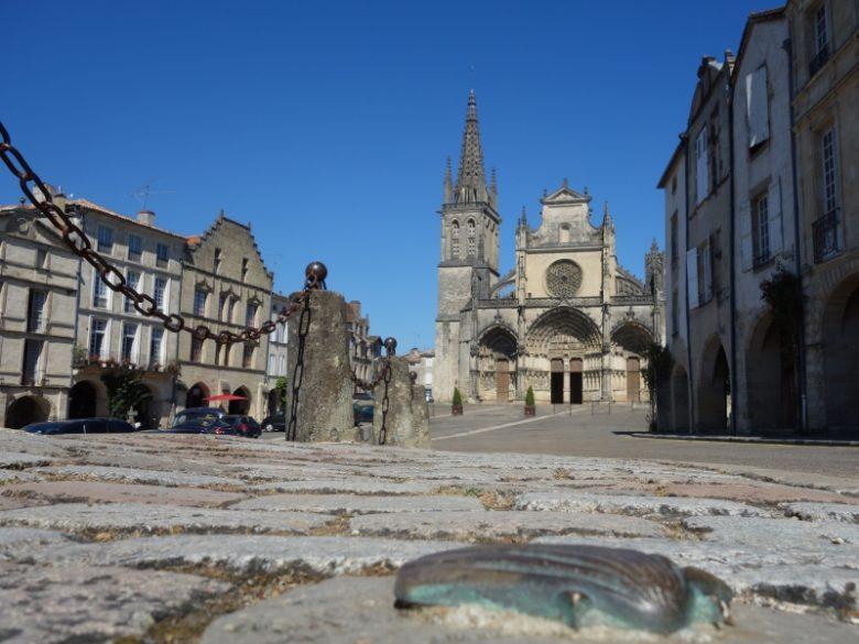 Place de la cathédrale – Bazas – ph. Elodie F (3)