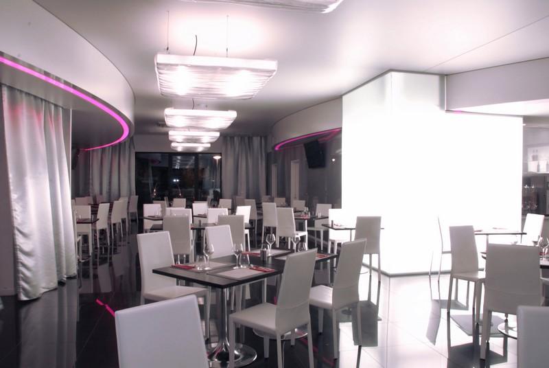 Quality suites Restaurant