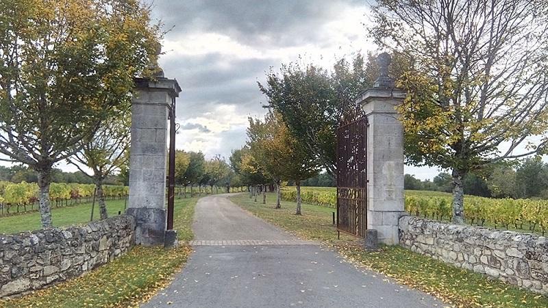 Roquefort-entree-du-chateau-2-2