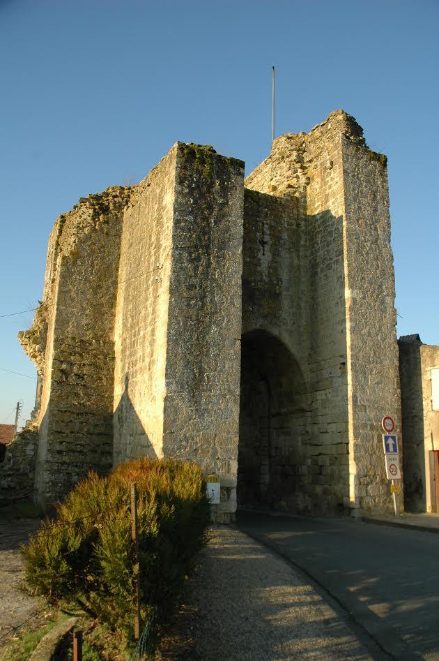 Sauveterre porte St Léger