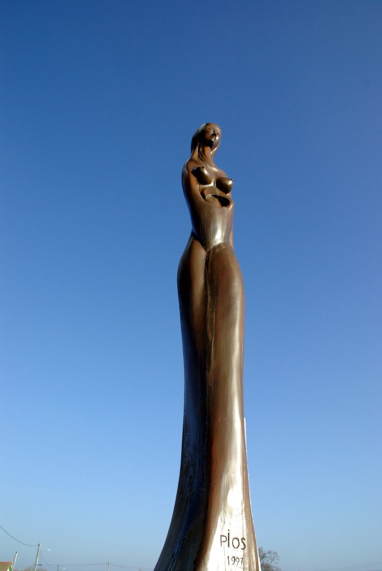 "Statue ""La Femme océane"""