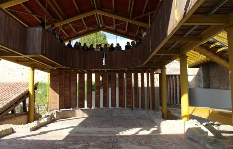 Villa-galloromaine-Plassac-mosaique-800×600