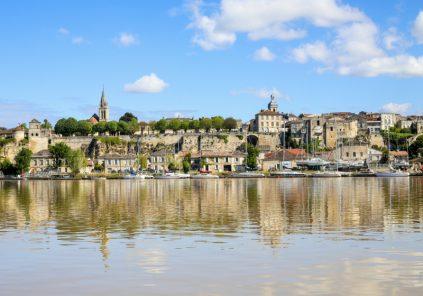 Croisière commentée de Bourg à la corniche de la Gironde