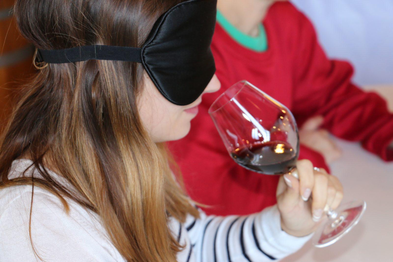 Wine-in-Black1
