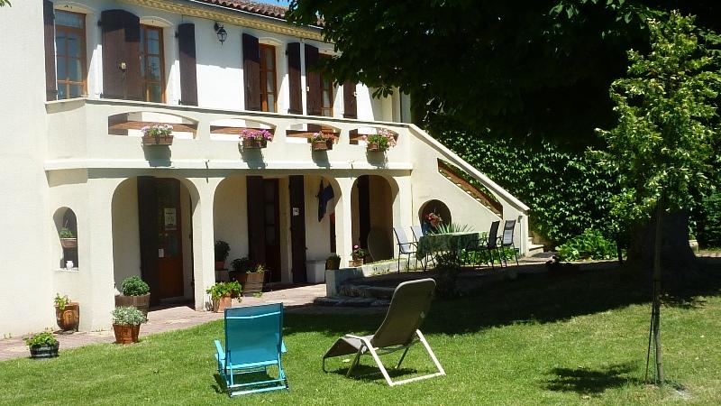 chambre-d-hotes-chateau-fredignac-st-martin-lacaussade-800×600