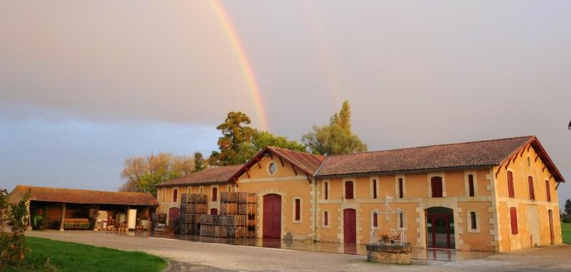 chateau-haut-colombier-Blaye-cotes-de-Bordeaux-cars-800×600