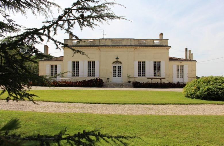 chateau-les-chaumes-blaye-cotes-de-bordeaux-fours-800×600-facade
