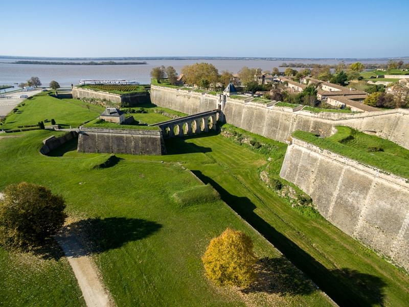 Citadelle Blaye UNESCO porte Dauphine 800×600