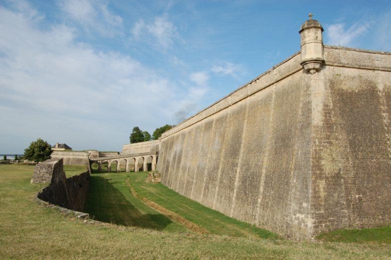citadelle-Blaye-Unesco-douve-800×600