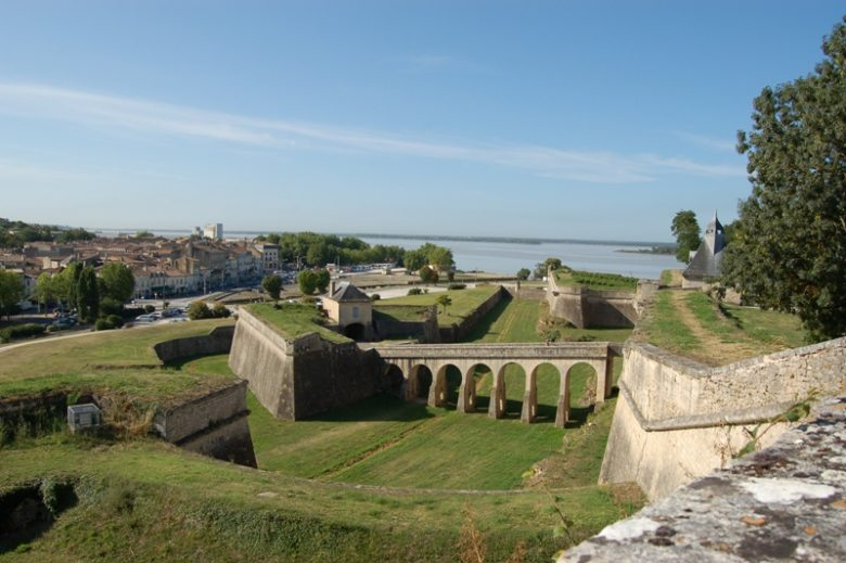 citadelle-Blaye-Unesco-porte-dauphine-800×600
