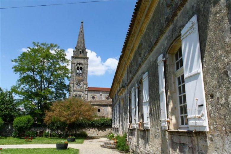 eglise-St-Paul-de-Blaye-800×600-presbytere