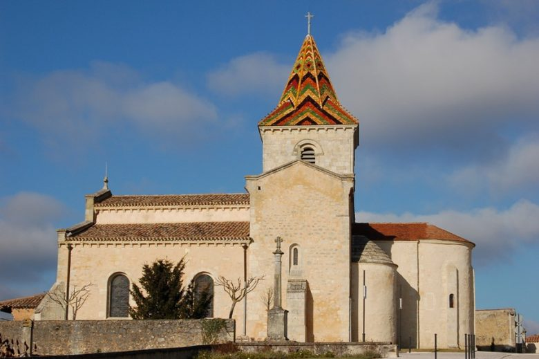 eglise-saint-pierre-cars-800×600-clocher