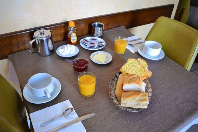 hotel-au-bon-accueil-800×600