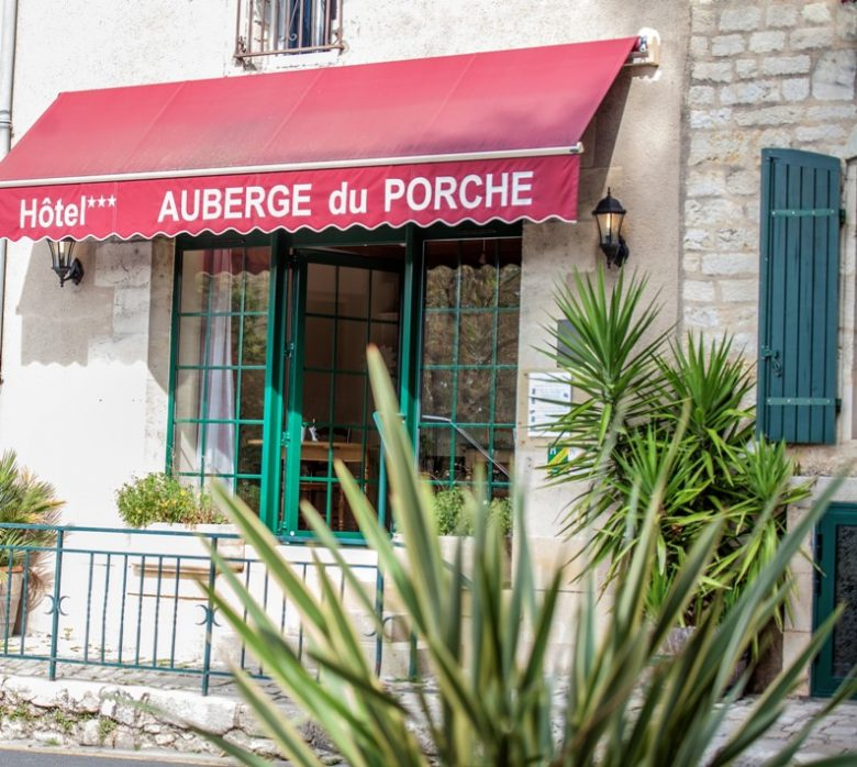 hotel-auberge-du-porche-blaye-800×600-porte