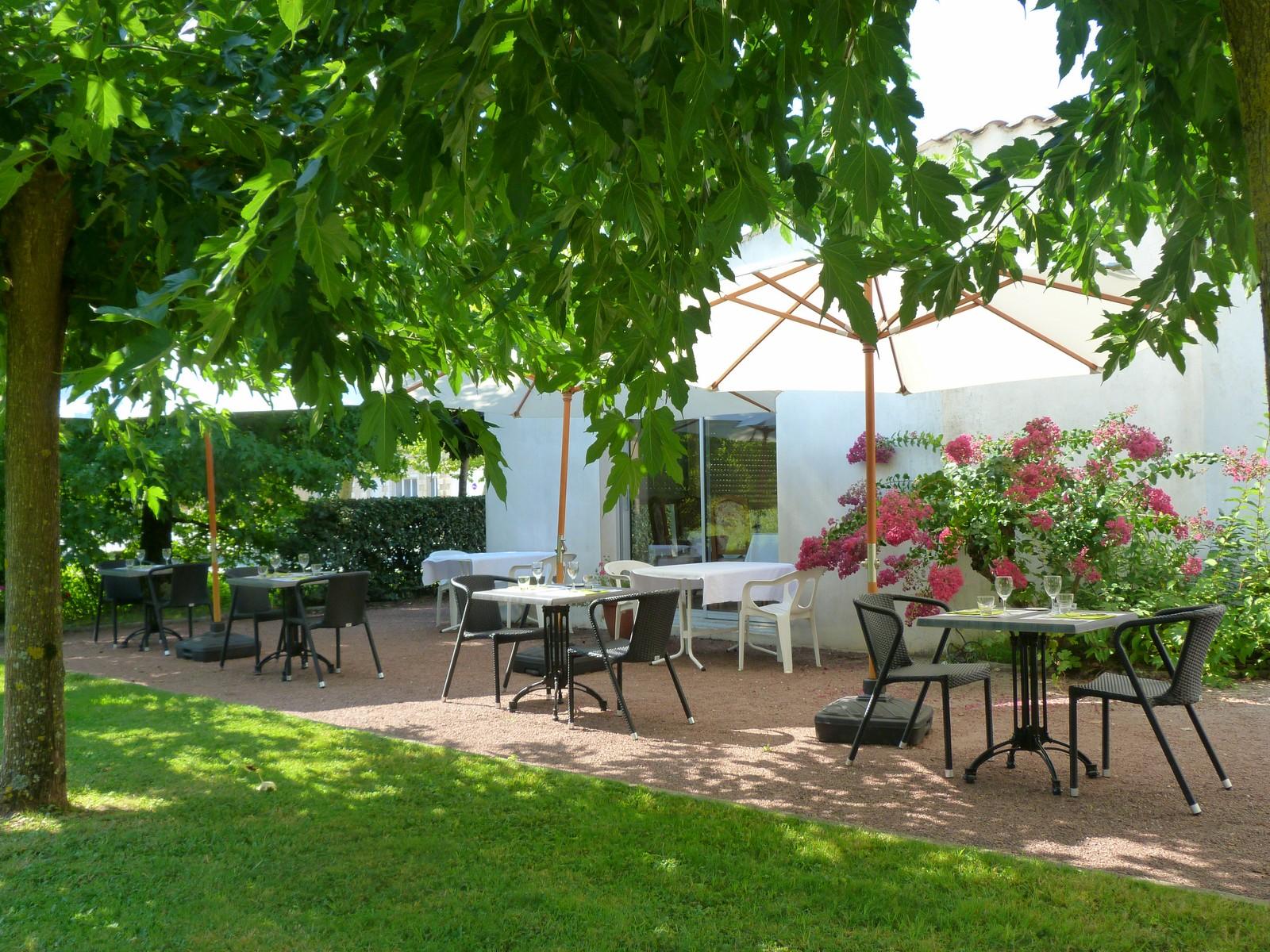 hôtelrestaurantLesplatanesBlaye (2)