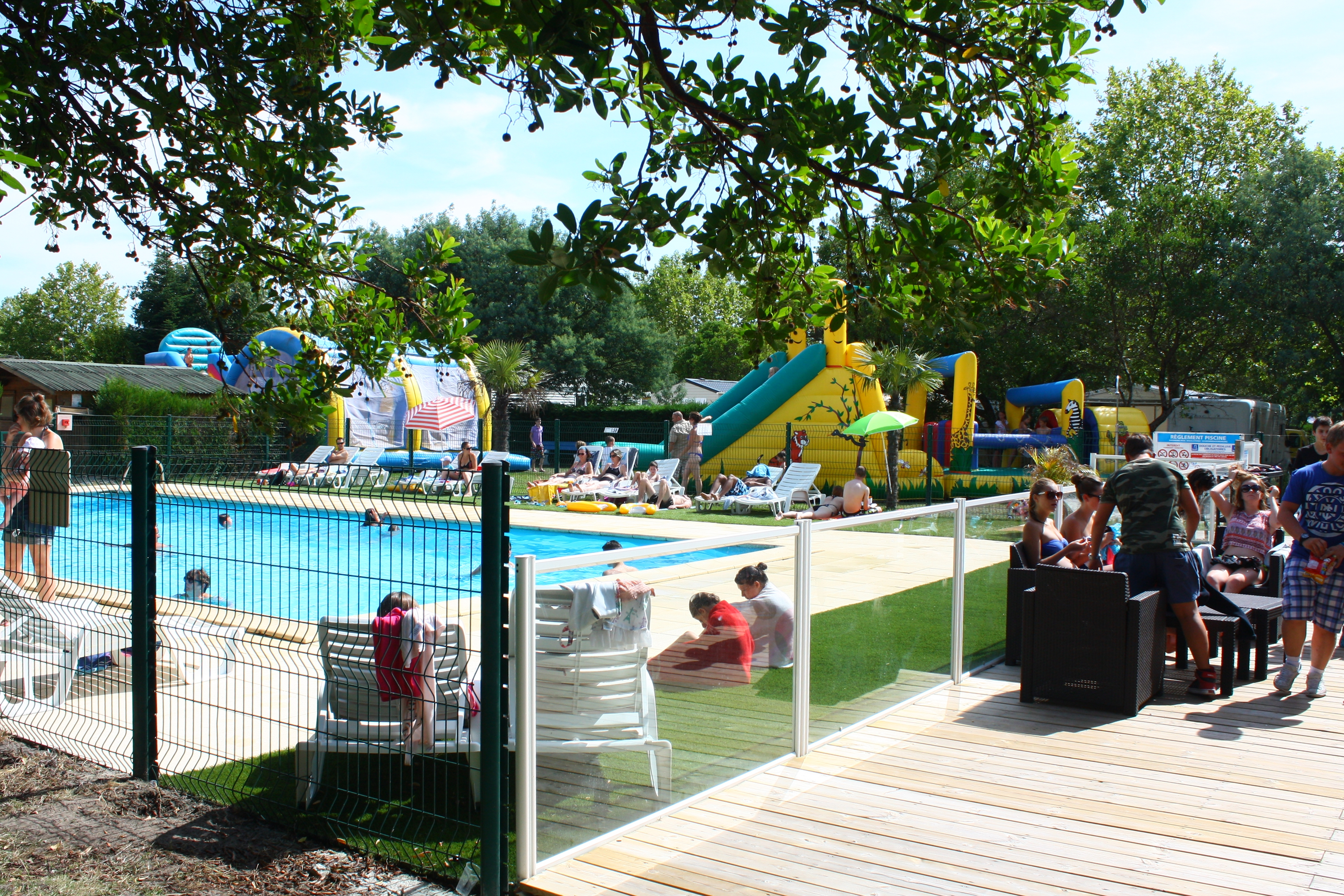 Camping les Arbousiers piscine
