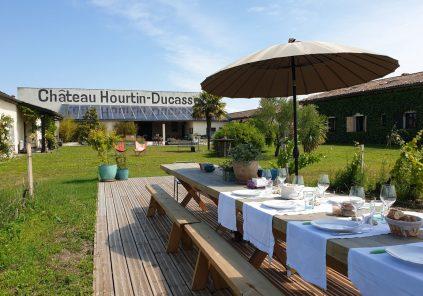 Pique-nique au jardin au Château Hourtin-Ducasse