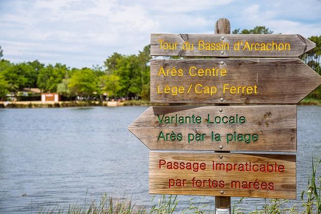 Les 3 Eaux De Saint Brice A Ares Itineraires Touristiques