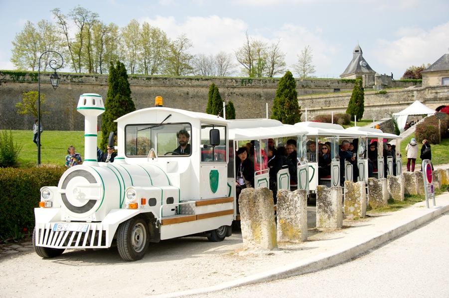 train-touristique-blaye-citadelle-800×600