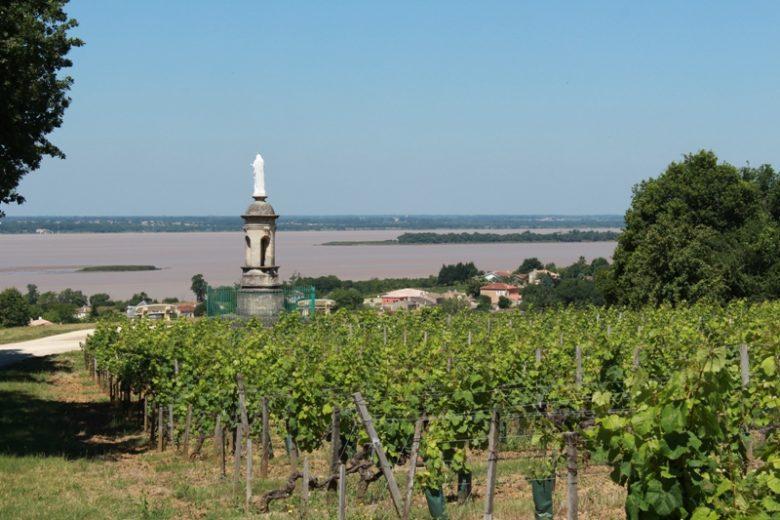 village-de-plassac-Vierge-de-Montuzet-800×600
