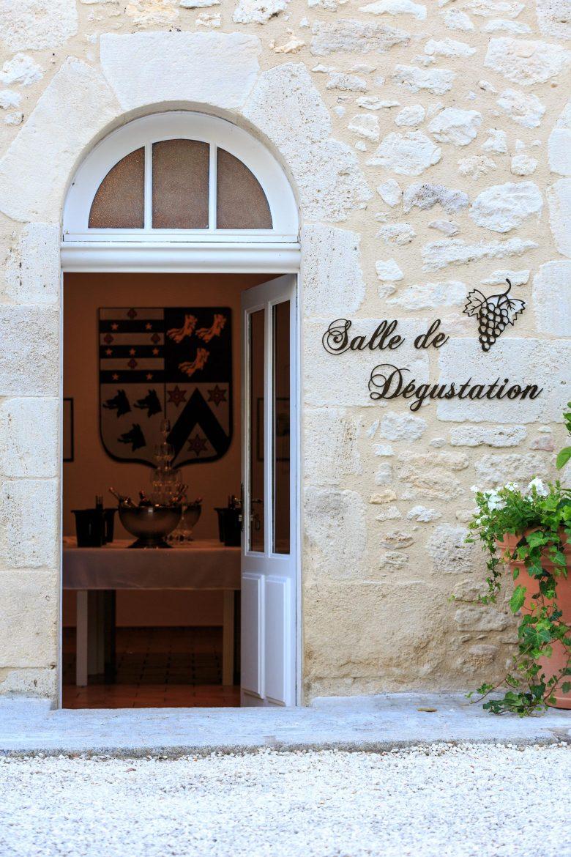 viticulteurs_salle_degustation_6